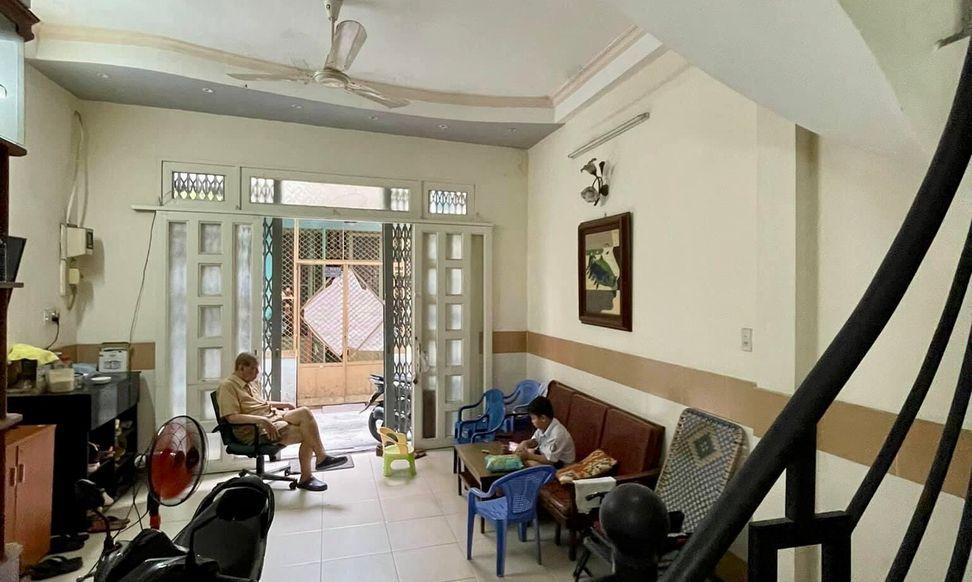 Bán nhà đường Lê Văn Sỹ, Phú Nhuận, diện tích lớn, hẻm thông, giá rẻ